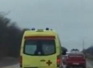 Не пропустивший карету скорой помощи в Новочеркасске  водитель попал на видео