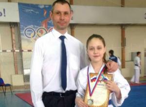 Юная каратистка из Новочеркасска, Таисия Шаповалова, завоевала серебро первенства ЮФО