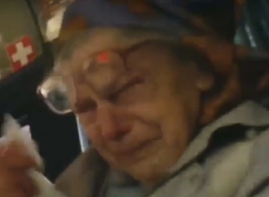 Добродушную бабушку довел до слез грубый водитель новочеркасской маршрутки