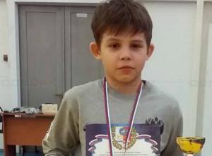 Юный борец из Новочеркасска завоевал золото на открытом турнире в Каменске-Шахтинском
