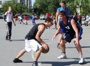 Спортсмены из Новочеркасска заняли второе место на областном турнире по стритболу
