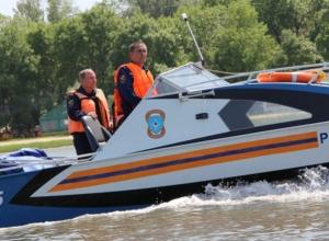 Ростовский водный патруль спас тонущего пьяного жителя Новочеркасска