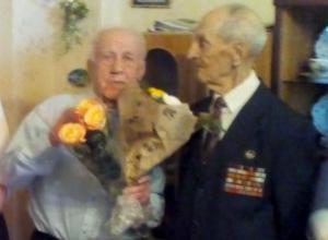 Ветерану Великой Отечественной войны Анатолию Макарову из Новочеркасска исполнилось 95 лет
