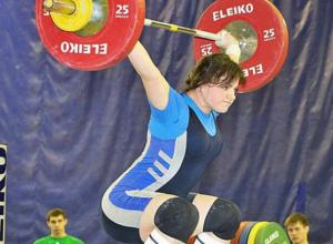 Студентка из Новочеркасска, Анастасия Немцева, завоевала бронзу на кубке России по тяжелой атлетике