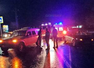 Протараненный инкассаторской «Нивой», «Фольксваген» сбил девушку на выезде из Новочеркасска