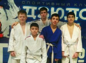 Новочеркасские дзюдоисты завоевали девять медалей на областном первенстве