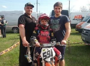 Отец и сын Дроздовы из Новочеркасска выиграли медали чемпионата ЮФО по мотоспорту