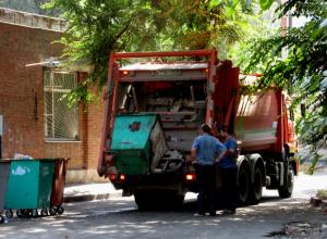 Новочеркасские власти противозаконно подняли цену за вывоз ТБО