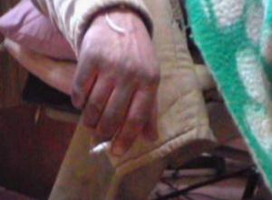 Уснувший с сигаретой пьяный мужчина устроил пожар в многоэтажке в Новочеркасске