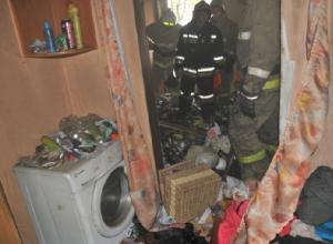 Сильно захламленная квартира загорелась в переулке Заводском в Новочеркасске