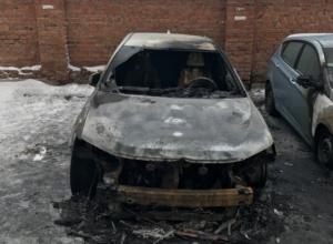 Денежное вознаграждение обещают за помощь в поиске автоподжигателей в Новочеркасске