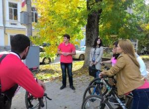 В Новочеркасске прошли дебютные велоэкскурсии по значимым городским местам
