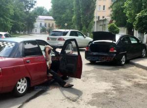 Лихач на «десятке» переоценил свои возможности и не вписался в поворот в Новочеркасске