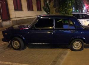 Темно-синюю «семерку» угнали прямо в центре Новочеркасска