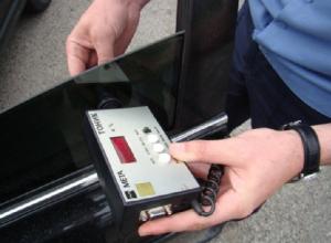 16 новочеркасских водителей отказались растонировать машину и угодили под арест