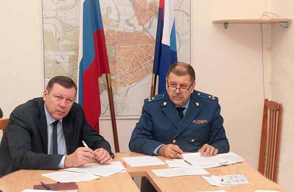 Получить зарплату бюджетникам в Новочеркасске помогла прокуратура