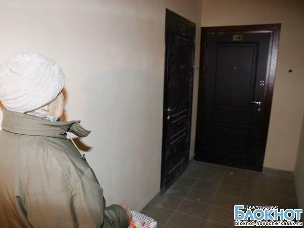 В Новочеркасске вор забаррикадировался в квартире, которую пришел ограбить