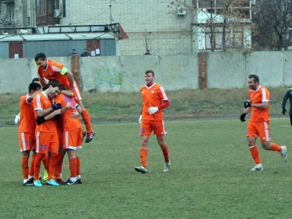 По итогам сезона новочеркасский футбольный клуб «Митос» возглавил турнирную таблицу