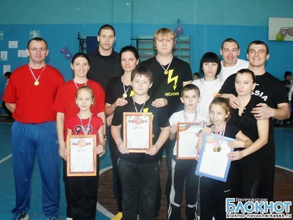 В Новочеркасске провели семейную спартакиаду и посвятили ее предстоящей Олимпиаде