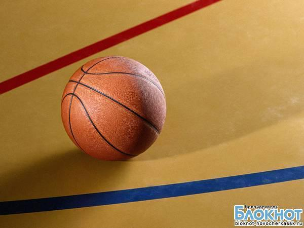 В Новочеркасске завершилась спартакиада по баскетболу среди школьников