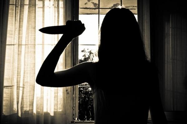 Рядом с Новочеркасском женщина отомстила любовнице сожителя, облив ее кислотой