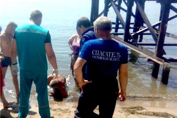 Аксайские спасатели пришли на помощь едва не утонувшему новочеркасцу