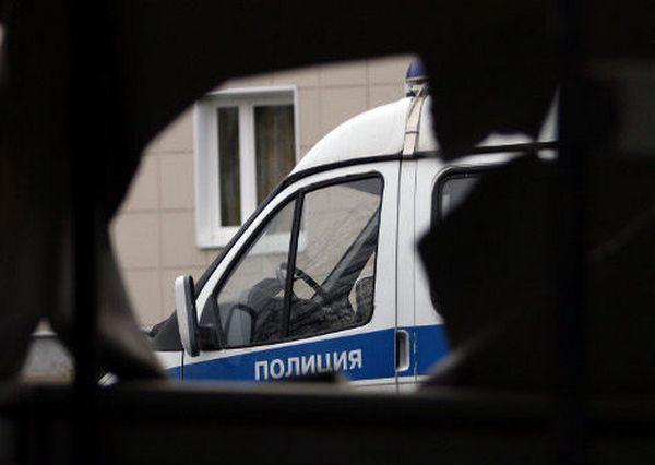 Вооруженный новочеркасец пытался похитить из магазина сосиски и водку