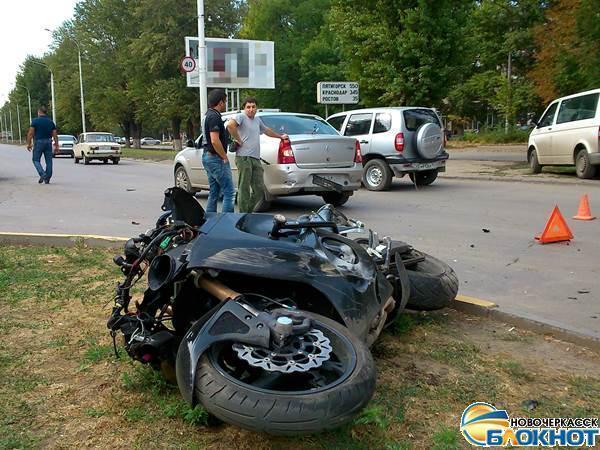 В Новочеркасске 19-летний мотоциклист едва не поплатился жизнью за лихачество