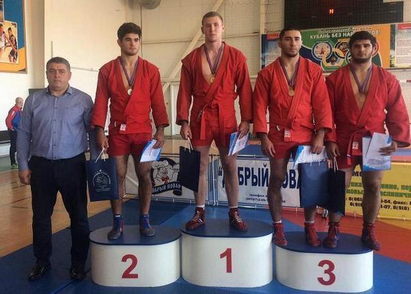 Борец из Новочеркасска завоевал золото Всероссийского мастерского турнира на призы Абрама Агамиряна