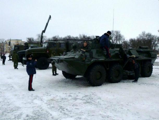 В Новочеркасске прошла выставка военной техники