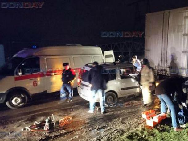 Пьяный водитель за рулем «Ларгуса» протаранил грузовик в Новочеркасске