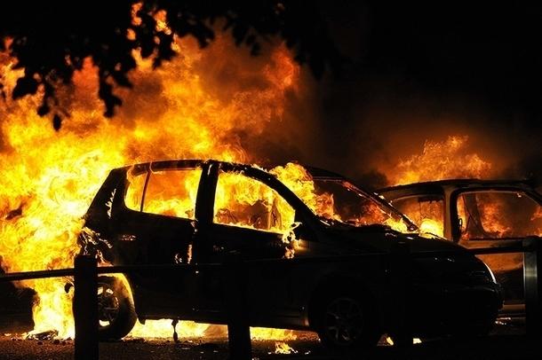 В  Новочеркасске автовор признался в поджоге трех автомобилей