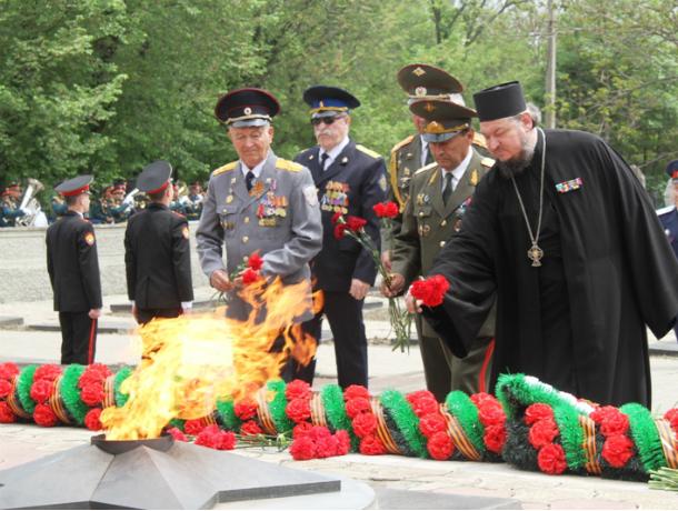 Память погибших на фронтах Великой Отечественной войны почтили в Новочеркасске