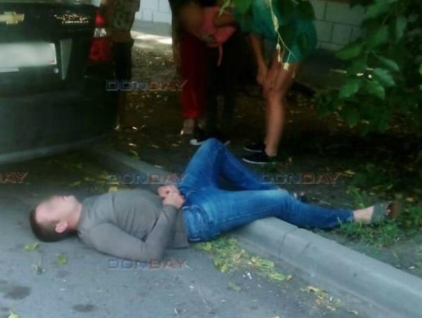 В центре Новочеркасска прохожий спас отрубившегося от «передоза» наркомана
