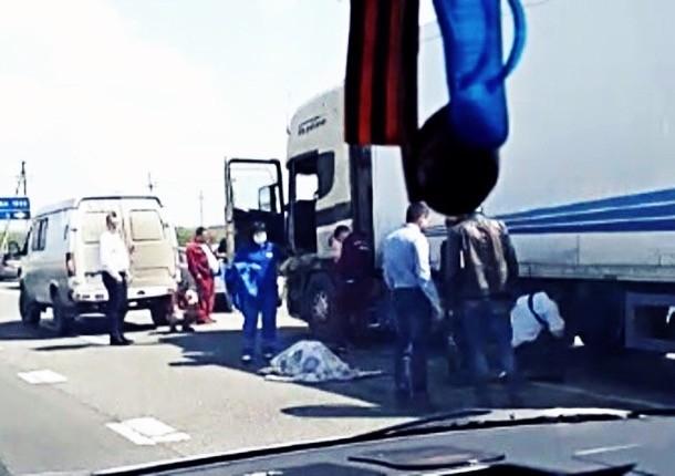 Дальнобойщика расстреляли в упор рядом с Новочеркасском