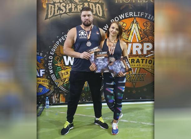 Пауэрлифтеры из Новочеркасска триумфально выступили на турнире в Сочи
