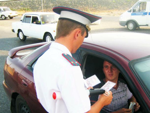 20 пьяных водителей и 45 пешеходов задержали сотрудники ДПС в Новочеркасске
