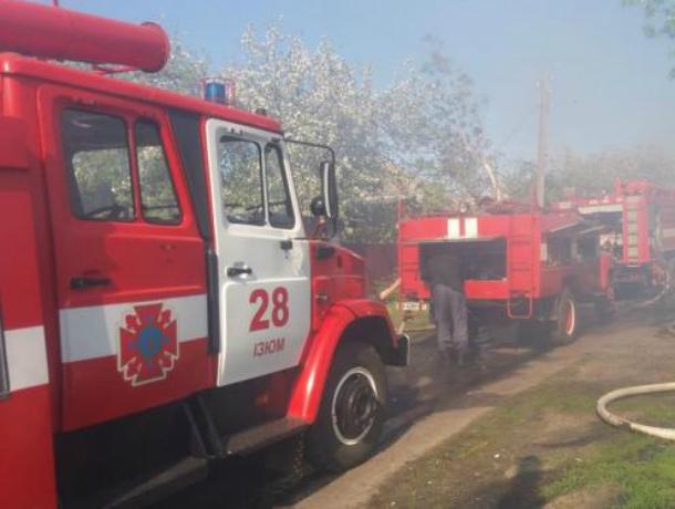 Три пожарные машины тушили дом под Новочеркасском