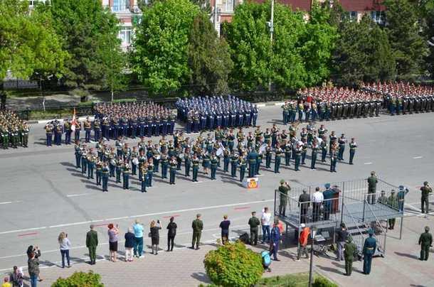 В Параде Победы в Новочеркасске примут участие 1212 человек