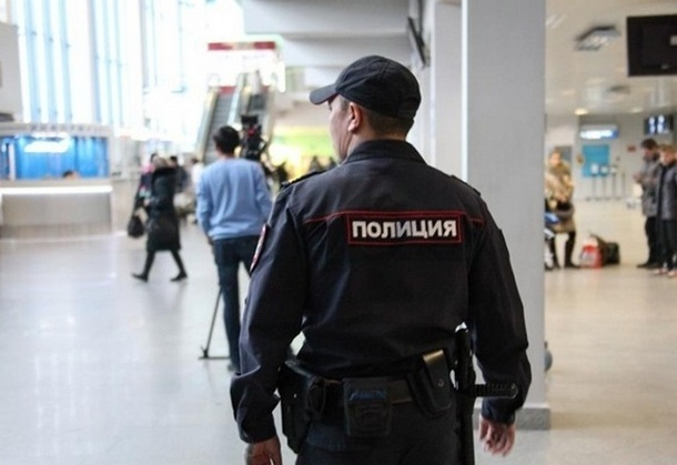 В аэропорту около Новочеркасска задержали двух разыскиваемых полицией мужчин