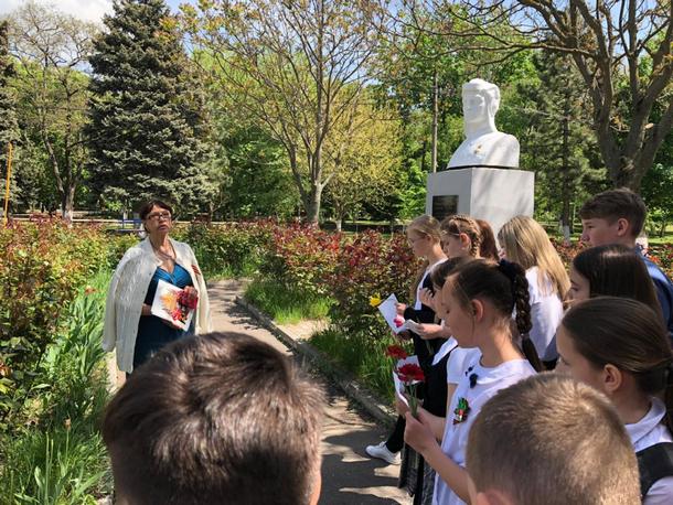 Юные новочеркасцы почтили память Героя Советского Союза Георгия Сорокина