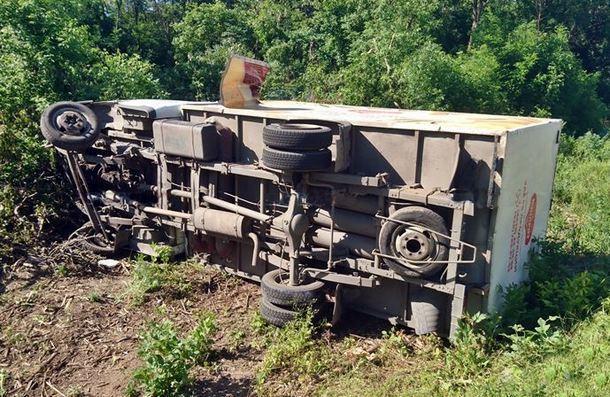 Под Новочеркасском столкнулись два встречных грузовика