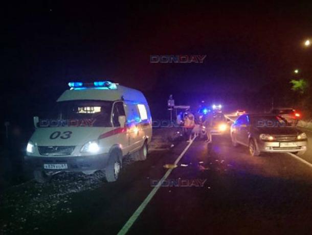 Бредущий по ночной дороге, пьяный мужчина попал под колеса иномарки под Новочеркасском
