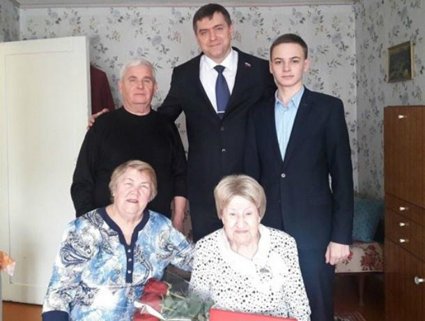 Ветеран из Новочеркасска Надежда Ковалева отметила 90-летие