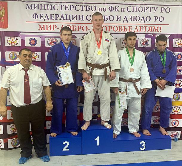 Новочеркасские дзюдоисты завоевали пять медалей на областном Чемпионате