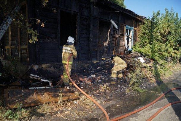 Двое новочеркасцев оказались в больнице из-за неосторожного обращения с огнем