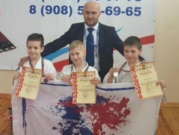 Восемь медалей завоевали каратисты из Новочеркасска на открытом турнире в Шахтах