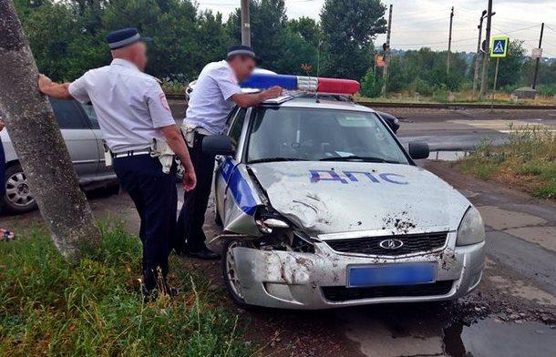 В Новочеркасске патруль спешил к месту ДТП и сам попал в аварию