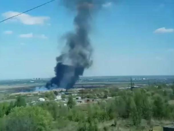 Бушующее пламя охватило окраину Новочеркасска