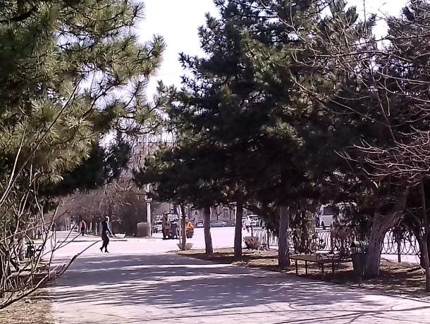 В Новочеркасске наводят чистоту